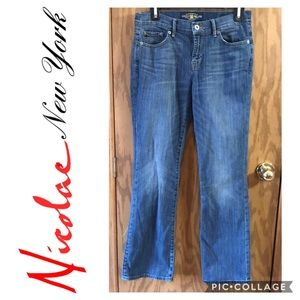Lucky Brand Sweet N Low Boot cut jeans size 6/28 A